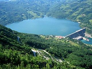 Perućac lake
