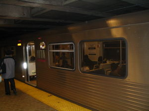 Balto metro train stctr.jpg