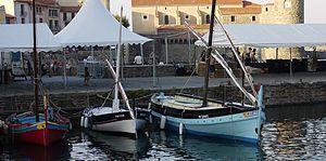 Barques catalanes à Collioure.JPG