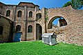 Basilica di San Vitale 04.jpg