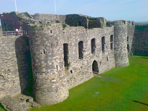 Beaumaris Castle 12 977.PNG