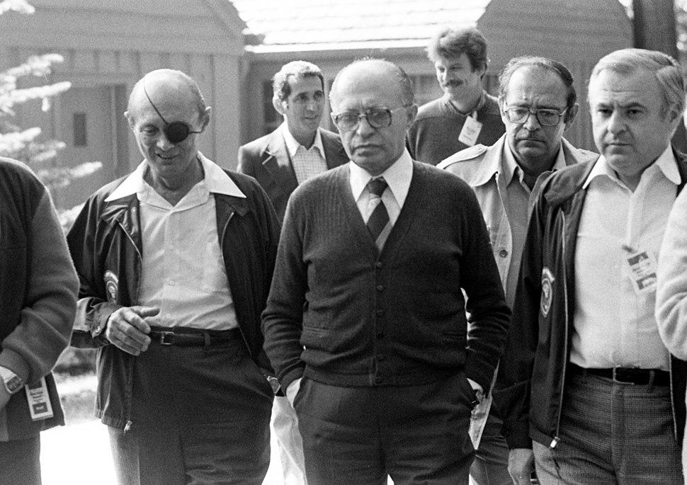 Begin with the Israeli Delegration, September 15, 1978 (10729376705)