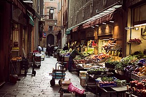 Болонья: Bologna Via Pescherie Vecchie 01