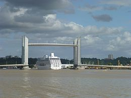 Bordeaux vertical-lift bridge, september 2016