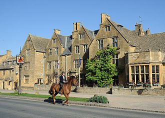 Cotswold Way - Broadway, Worcestershire