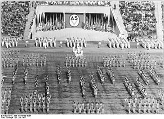 Sports associations (East Germany) - Mass performance as old German tradition with athletes at the Central Stadium (Leipzig, GDR)