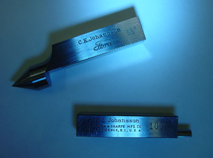 Co-branding - CEJ and Ford co-branding for a gauge block