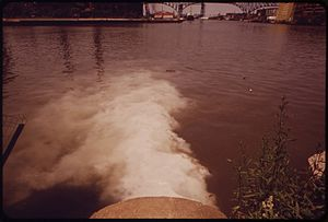 Cuyahoga River - City pump station discharges sewage into Cuyahoga River (1973)