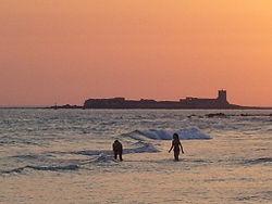 Castillo de Sancti Petri visto desde Chiclana de la Frontera (Cádiz). En este lugar se hallaba el Templo de Hércules Melkart.