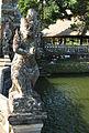 Causeway Statue, Pura Taman Ayun 1518.jpg