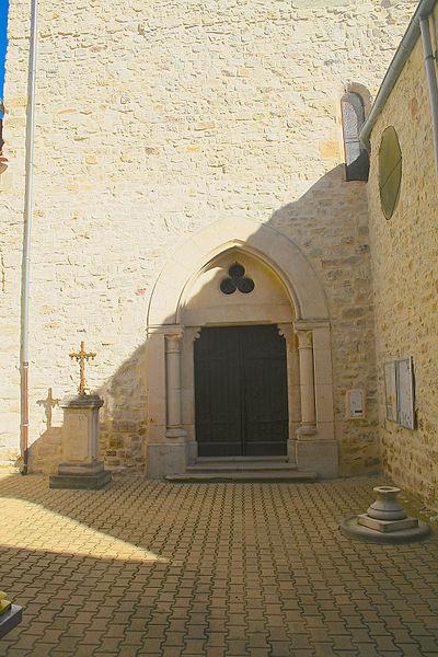 Causses-et-Veyran (Hérault) - portail de l'église Notre-Dame de la Purification.