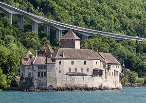 Chillon Castle - Image: Château de Chillon mit Autobahn IMG 0823