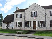 Chartronges mairie.jpg