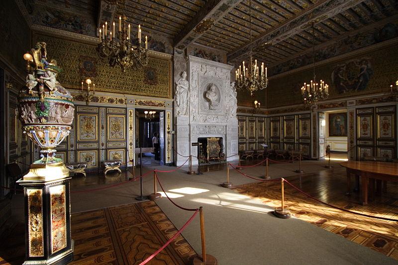 Fichier:Chateau de Fontainebleau FRA 010.JPG