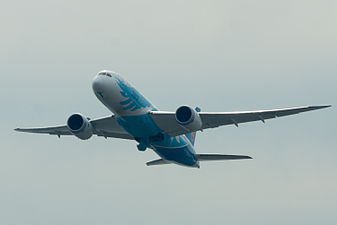 China Southern Airlines ,CZ390 ,Boeing 787-8 ,B-2736 ,Departed to Guangzhou ,Kansai Airport (16216127809).jpg