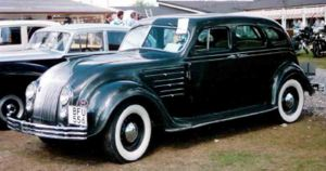 Chrysler CU Airflow Eight Sedan 1934.jpg