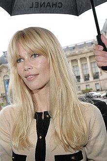 Claudia Schiffer a Parigi nel 2009