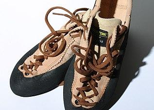 Climbing shoe la sportiva mythos 01.jpg