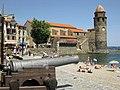 Collioure Canó al passeig de Voramar i església dels Àngels 20.jpg