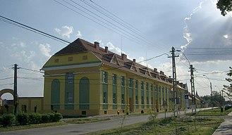 Comloșu Mare - Main road