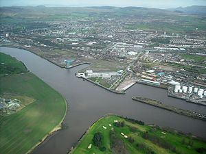 Forth and Cart Canal - The confluence of the Rivers Cart and Clyde. The canal followed the course of the road to the east of Clydebank College, in the centre foreground.