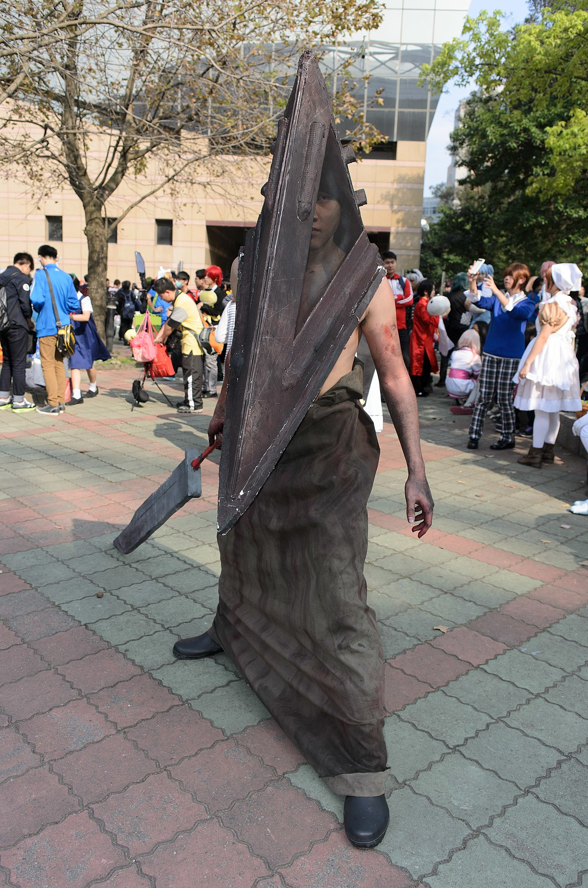 File Cosplayer Of Pyramid Head Silent Hill In Cwt39 20150228 Jpg