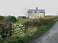 Cottage opposite Thornton House Farm - geograph.org.uk - 1043369.jpg