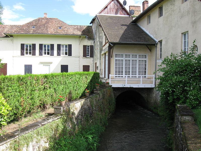Moulin de Vasset sur la rivière le Clignon. (commune de Coulombs-en-Valois, département de la Seine-et-Marne, région Île-de-France).