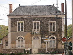 Courcelles town hall.JPG