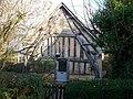 Cruck house - geograph.org.uk - 1611033.jpg