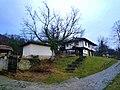 Das Dorf Boshentzi ist ein nationales Architeturreservat am bewaldeten Nordhand des Stara-Planina-Gebirges - panoramio (3).jpg