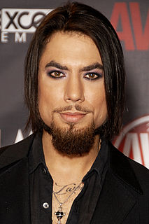 Dave Navarro American guitarist, singer and songwriter, best known as a founding member of the alternative rock band Janes Addiction