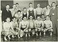De waterpolo zeventallen van Haarlem (achterste rij) en Gent tijdens de internationale zwemwedstrijden in het Sportfondsenbad. NL-HlmNHA 5400466903.JPG