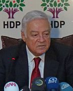 Dengir Mir Mehmet Fırat 2015-mars (beskåret) .jpg