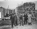 Diplomaten bezoeken de in aanbou zijnde sluis te Tiel, Bestanddeelnr 903-9812.jpg