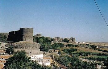 The walls of Amida