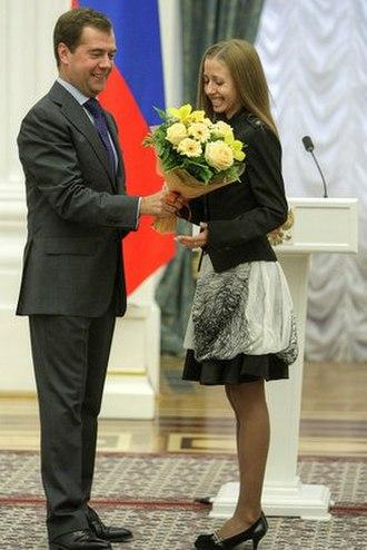 Olga Kaniskina - Russian President Dmitry Medvedev awarding Olga Kaniskina in Moscow Kremlin in 2009.