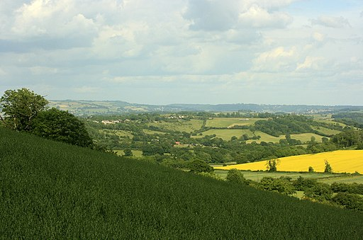 East from the edge of Maes Knoll - geograph.org.uk - 1360980