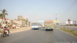 File:Eastern Metropolitan Bypass - Mathpukur to Sukanta Nagar - Kolkata 2014-02-12 2179.ogv