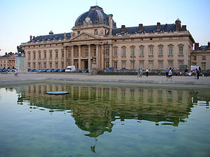 Ecole Militaire, Paris 31 August 2005.jpg