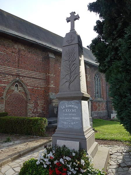 Eecke (Nord, Fr) monument aux morts