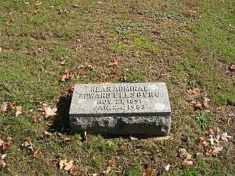 Edward Ellsberg - Image: Ellsberg grave