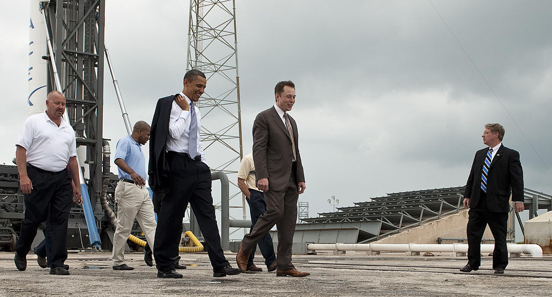 President Barak Obama discusses SpaceX with Elon Musk at Kennedy Space Center in Cape Canaveral, Florida, April 15, 2010