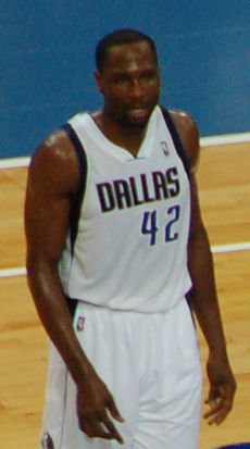 Elton Brand Dallas Mavericks 2012 (cropped).jpg