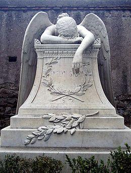 Risultati immagini per statua angelo