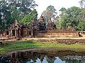 Enclosure II Banteay Srei 1167.jpg