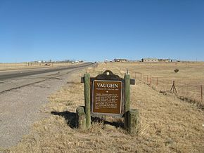 Entering Vaughn from the west, NM.jpg