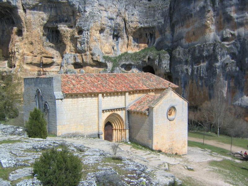 File:Ermita de San Bartolomé en Ucero.JPG