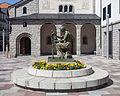 Escultura de J. Viladomat perante a igrexa parroquial de Sant Pere Mártir. Escaldes-Engordany. Andorra 62.jpg