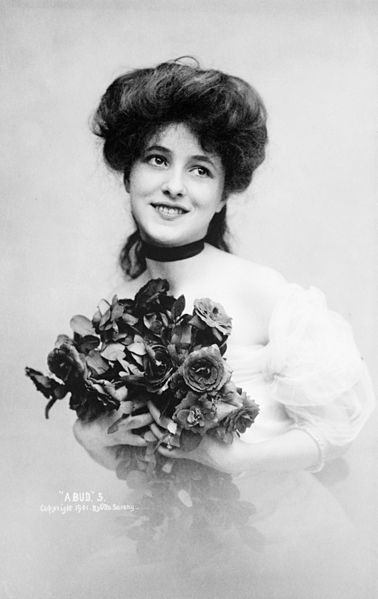 File:Evelyn Nesbit by Sarony Studio, 1901.jpg